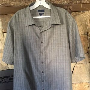 Men's black/gray button down shirt